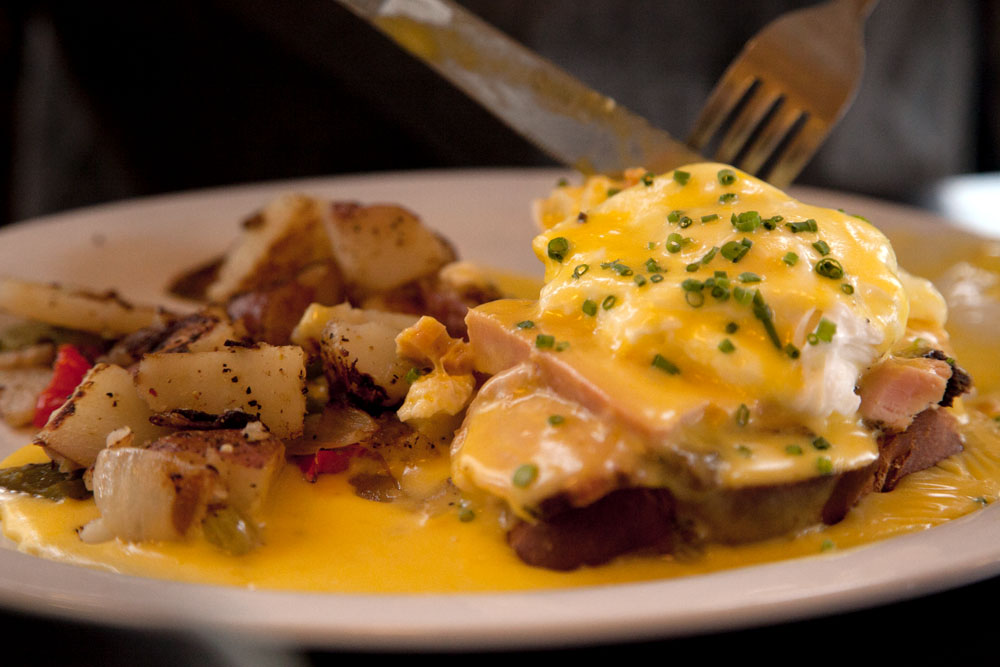 Eggs Benedict bei Kenny & Zuke's im Pearl District