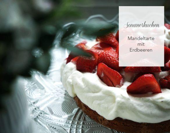Mandelkuchen mit frischen Erdbeeren