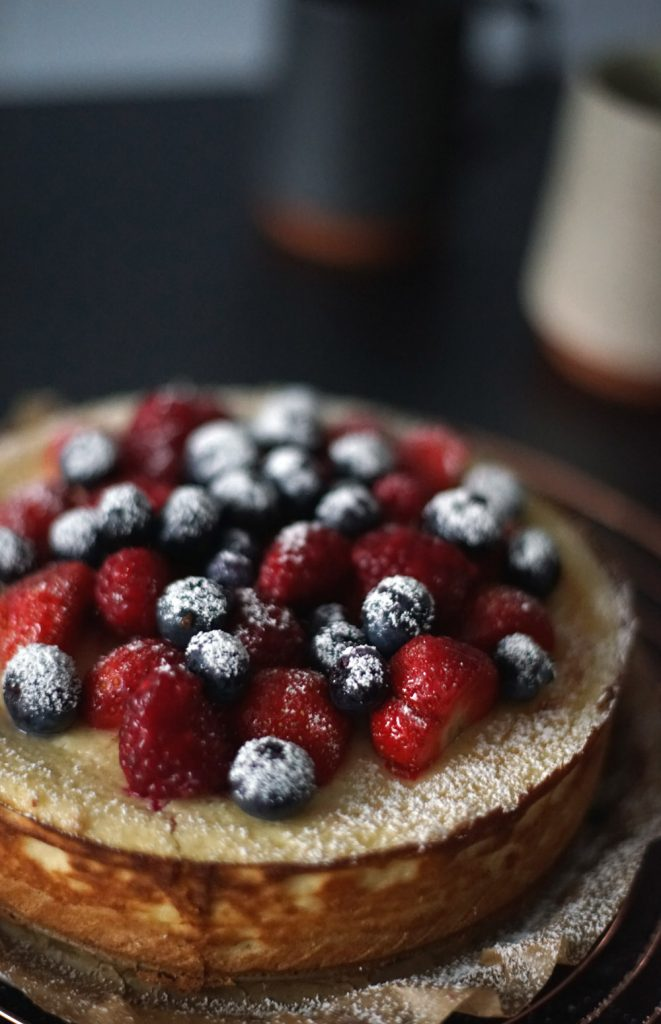 New York Cheesecake with berries