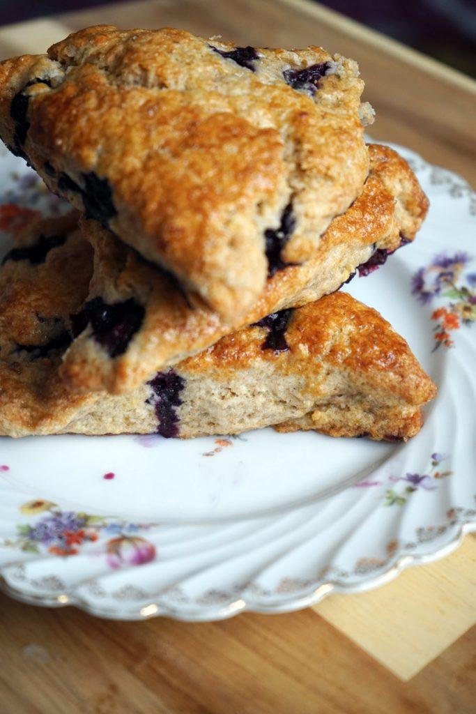blueberry scones, scones mit blaubeeren